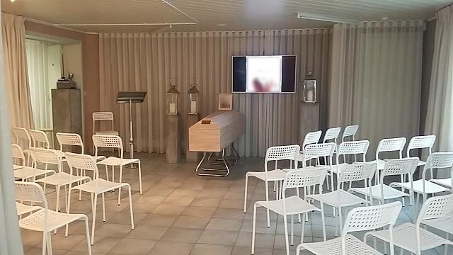 aula rouwcenter Segers afscheid met de kist